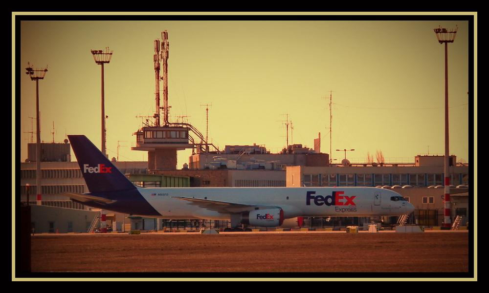 FedEx Express N915FD -szendreigabor.hu