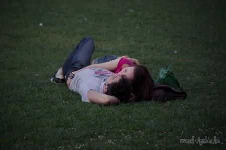 Pihenés a Városligetben