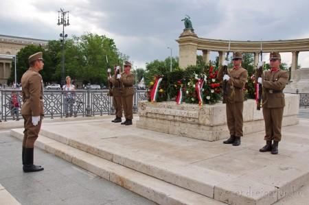 Budapest Hősök tere őrségváltás - Szendrei Gábor