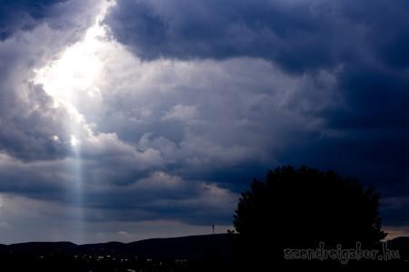 Felhők és napsugár - Szendrei Gábor