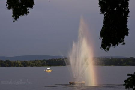 Víz, zene, virág fesztivál Tatán képek Úszó étterem - Szendrei Gábor
