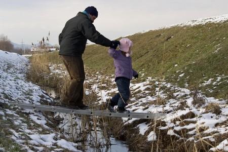 Téli odúellenőrzés Szilas-patak - fotó: Szendrei Gábor