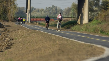 Által-ér völgyi kerékpárút Tatabánya-Tata (Vértesszőlős) fotó: Szendrei Gábor