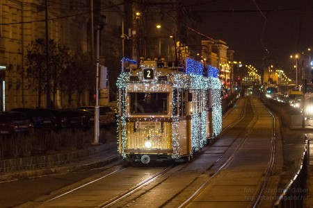 Karácsonyi Fényvillamos Budapesten 2013 - fotó: Szendrei Gábor