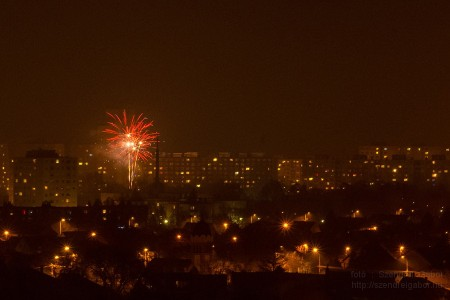 Szilveszteri tűzijáték Bp XV Pestújhely Rákospalota Újpalota - Fotó: Szendrei Gábor