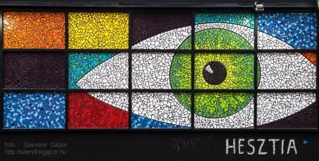Színes mozaik szem(pár) - Hegedűs Márton Hesztia - fotó: Szendrei Gábor