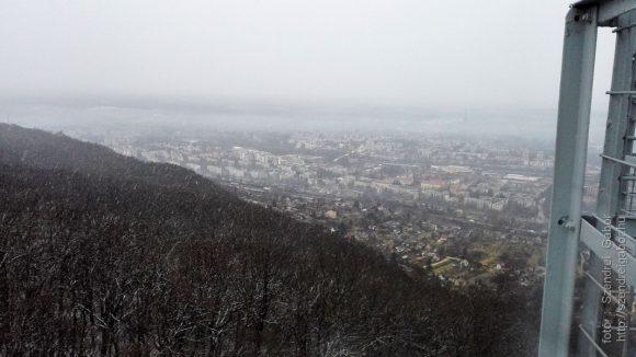 Hóesésben futás a Kilátóhoz, péntek 13-án :) - fotó: Szendrei Gábor